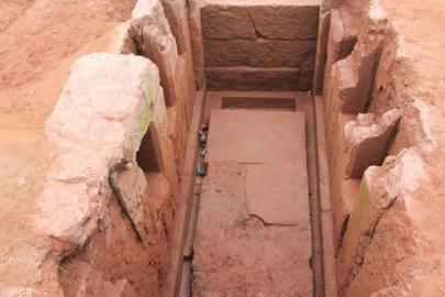 而这些把墓主生前生活一一镌刻的墓室,生动再现了宋代川南的繁华.