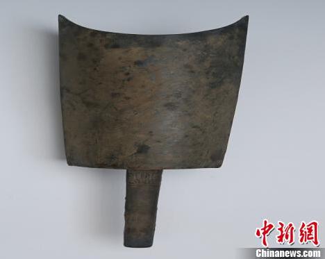 浙江绍兴首次发现越国青铜句鑃 距今已2500多年