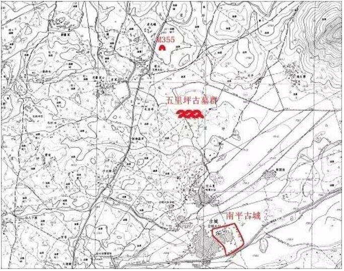 两座墓葬在五里坪古墓群范围内,位于蓝山县塔峰镇五里坪村